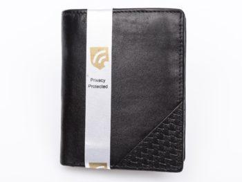 Czarny portfel z trójkątnym tłoczeniem pionowy