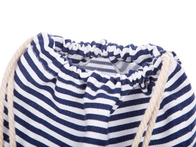 Plecak zapinany na sznurki