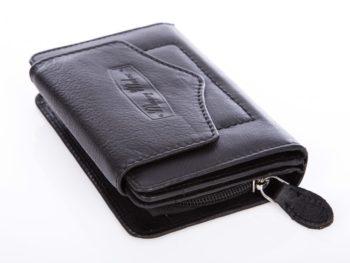 Czarny miękki skórzany portfel damski matowy