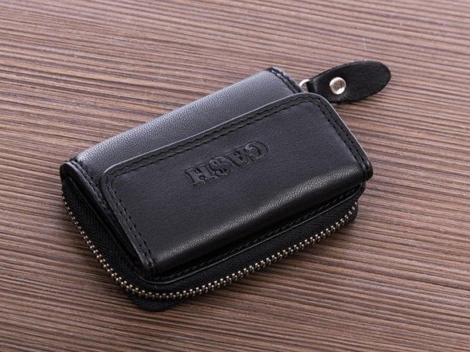 Nieduży portfel męski skórzany na drobne i banknoty cash