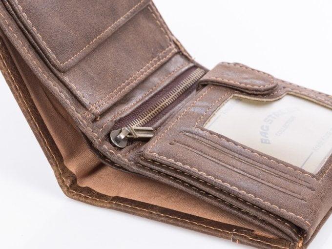 Suwak metalowy wewnątrz portfela