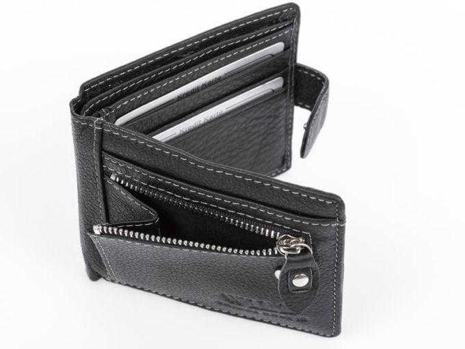 Rozpięty portfel