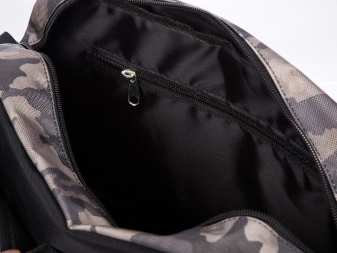 dodatkowa kieszeń wewnatrz torby