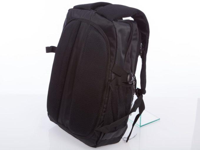 gąbka z tyłu plecaka