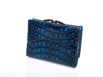 Lakierowany portfel niebieski