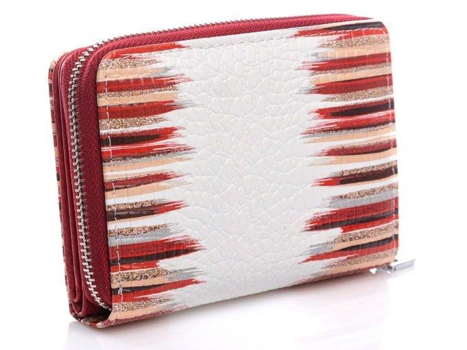 Tył portfela z czerwono-białym wzorem