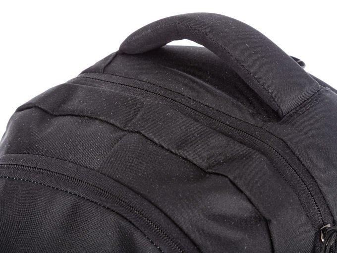 Gruba rączka do noszenia plecaka w dłoni
