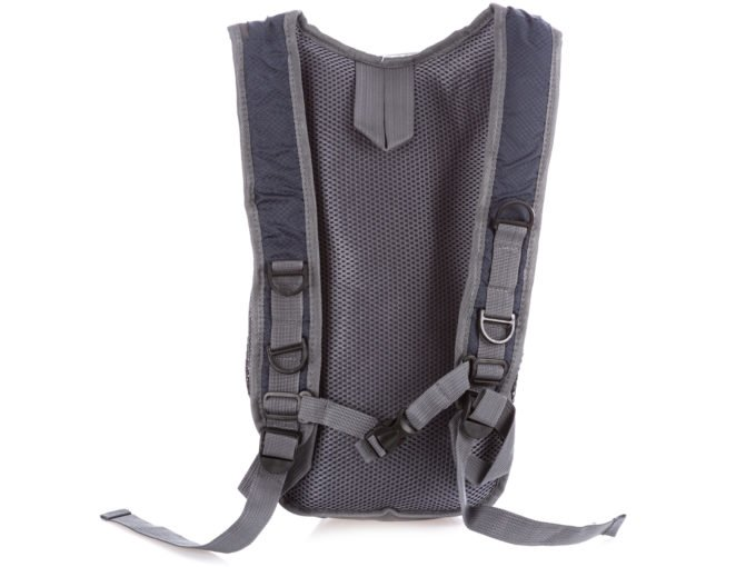 Tył plecaka wyłożony miękką siateczką