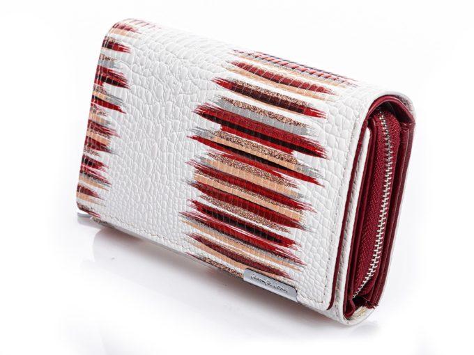 Białe portfele damskie skórzane lakierowane